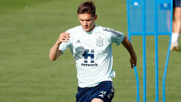 Diego Llorente becomes second Spain player to test positive for coronavirus
