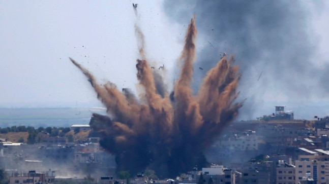 Israel launches airstrikes in Gaza in response to attack by 'incendiary balloons'