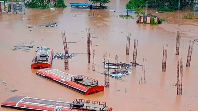 Maharashtra bus depot manager camps on top of bus for 7 hours to guard government money amid floods