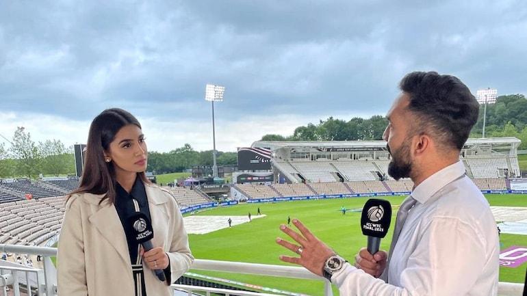 Dinesh Karthik during the WTC final between India and New Zealand (Courtesy- Sanjana Ganesan Twitter)