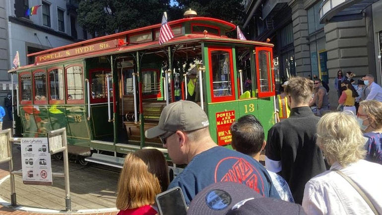 San Francisco's cable cars are running again. (Photo: AP)