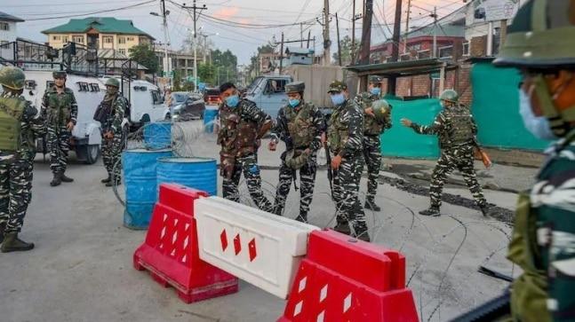 Civilian shot dead in cross-firing between CRPF, terrorists in J&K's Babapora