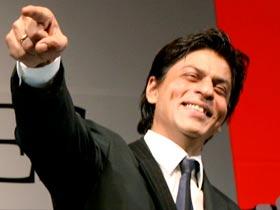 Art overcoming hate a Utopian idea: SRK