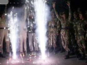 Jawans celebrate Diwali at border