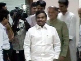 Tainted Raja gets hero's welcome in TN