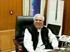 Sibal shunts out Raja aide