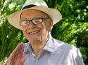 Hacking: Murdoch offers apology