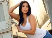 Sunny Leone's sexy moves
