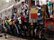 2 die after falling from train in Mumbai