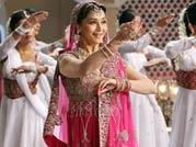 Madhuri pays tribute to Meena Kumari