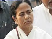 Mamata meets PM, defends demand for bailout package