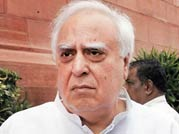 IITs divided over Sibal's new JEE test plan
