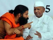 Baba Ramdev comes to Team Anna's rescue