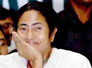 Mamata Banerjee may quit UPA on Tuesday: Sources