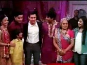 Aamir shakes a leg with telly bahus