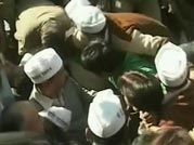 Kejriwal roughed up and detained outside Delhi CM's house