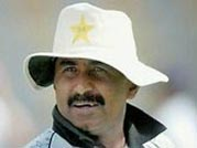 Former Pak cricketer Miandad cancels his India visit amid uproar