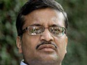 Probe is cover up of 'gargantuan land scams': Khemka on DLF and Vadra land dealings