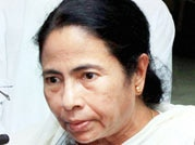 Mamata loses cool, publicly abuses her security guards