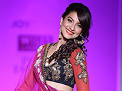 Gauhar stuns onlookers with her swift moves on ramp!