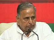 Samajwadi Party chief Mulayam Singh Yadav reveals Congress' survival mantra