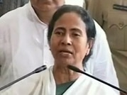 SFI activists, others held for heckling Mamata at Planning Commission office