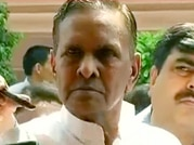 200 people from Gujarat came to Muzaffarnagar to indulge in rioting, says Beni Prasad