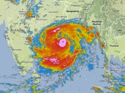 Super cyclone Phailin set to hit Odisha today, over 2 lakh evacuated