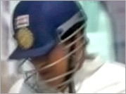Sachin becomes the victim of umpire's flaw, again