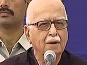 Advani refuses to give credit to Modi for BJP's Assembly poll win