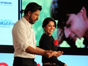 SRK shakes a leg with Koel Purie at Agenda Aaj Tak