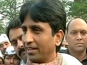 Cong-SP together to save their leaders in home turfs, says Kumar Vishwas