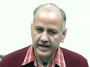 Manish Sisodia demands police officers be suspended for not taking action