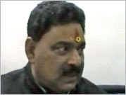 UP minister sparks row, says people die in palaces as well