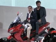 Ranbir Kapoor takes a back seat at Auto Expo 2014