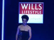 Kangana Ranaut's oops moment during WIFW 2014 grand finale