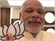 EC orders FIR against Narendra Modi for violation of poll code