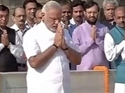 Modi pays homage to Mahatma at Rajghat