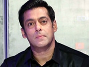 Salman keeps a cool head after things go awry at an event for Kick