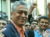 Rajdeep Sardesai heckled by mob at Madison Square Garden