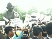 BJP launches counter protest against Rahul's protest