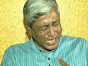 Gajendra Singh suicide: AAP's Ashutosh breaks down while speaking to farmers daughter