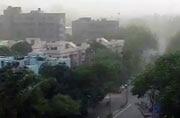 Duststorm in Delhi brings temperature down
