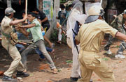 Curfew imposed after clashes in Jamshedpur
