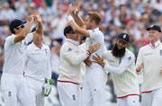Ashes 2015: England's Stuart Broad becomes 11th bowler to take five wickets before lunch