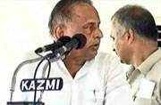 Mulayam scolds son Akhilesh publicly for the second time