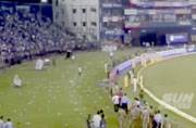 Unruly fans dirsupt match over India's poor show in Cuttack