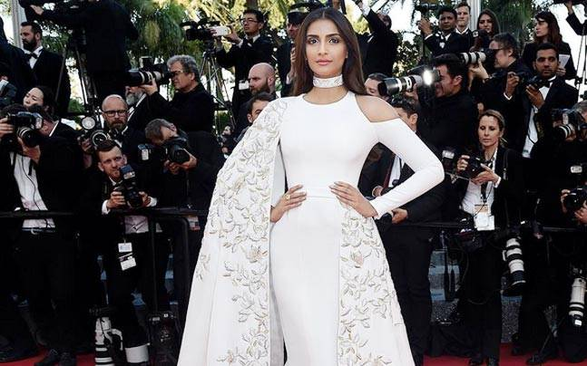 Sonam Kapoors Recent Looks Prove Purple Is The New Black
