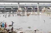 Days after thousands of idols were immersed in Yamuna, river bank remains a sorry site