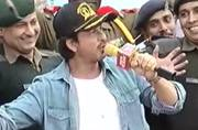 Republic Day celebrations: Shah Rukh Khan's day out with army soldiers